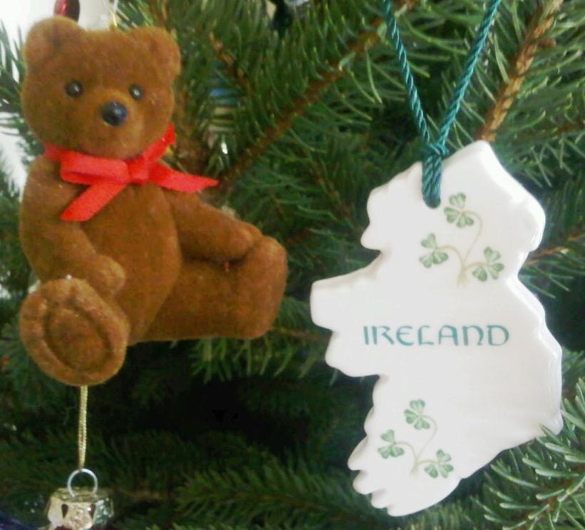 Ireland ornament (right)