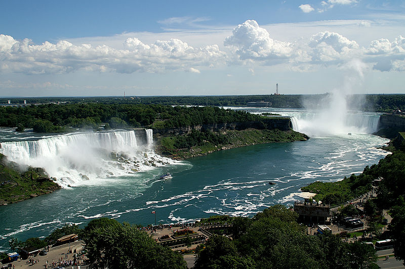 A view of the American, Bridal Veil and Horseshoe Falls from the Presidential Suite of the Sheraton Fallsview Hotel, Niagara Falls, Ontario, Canada, by Saffron Blaze. Courtesy of Wikipedia